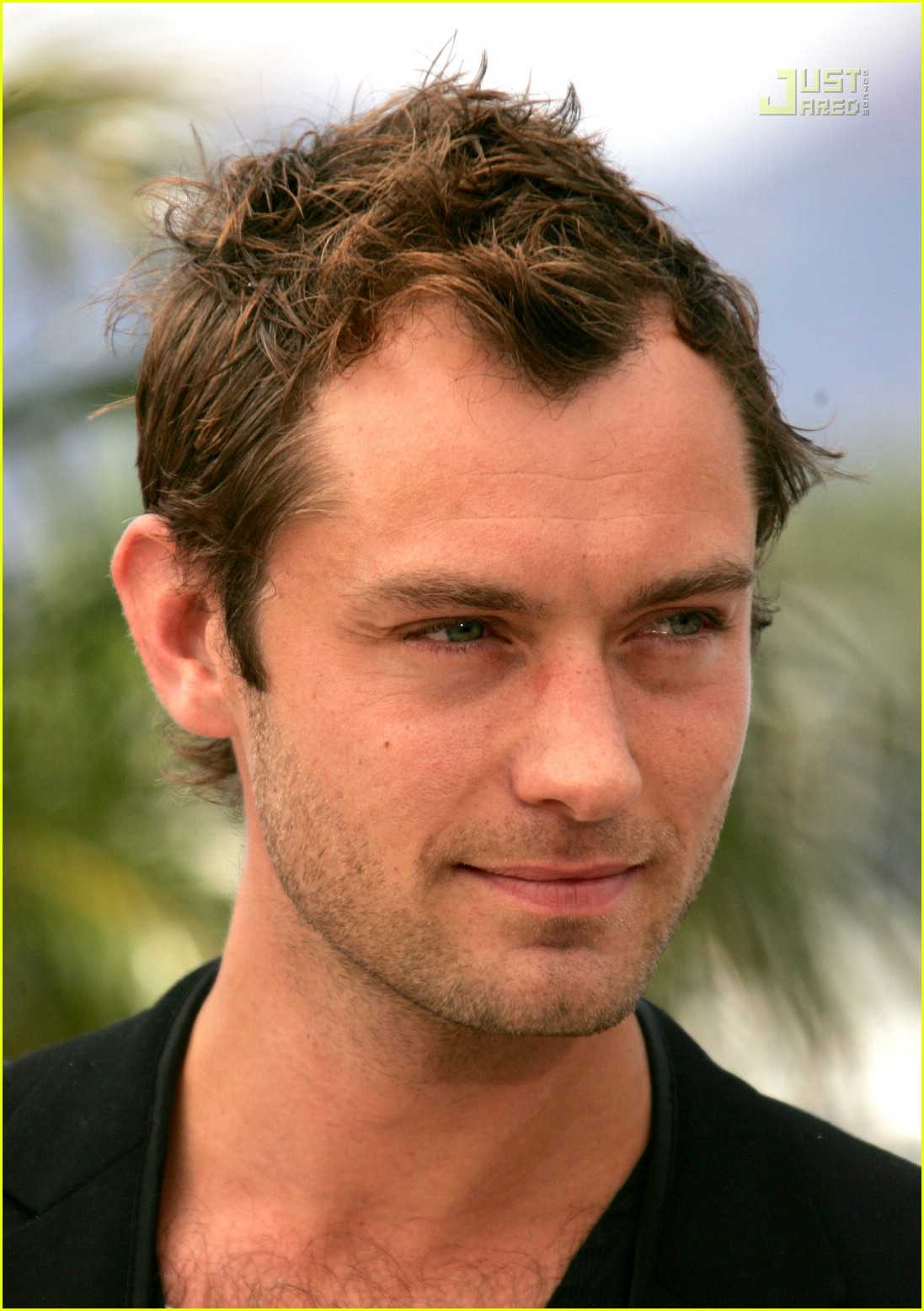 Full Sized Photo of ju... Jude Law