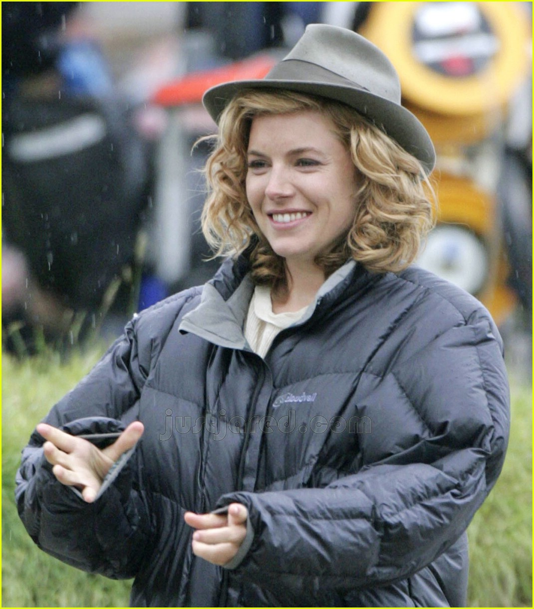02 sienna miller bubble jacket 01154411
