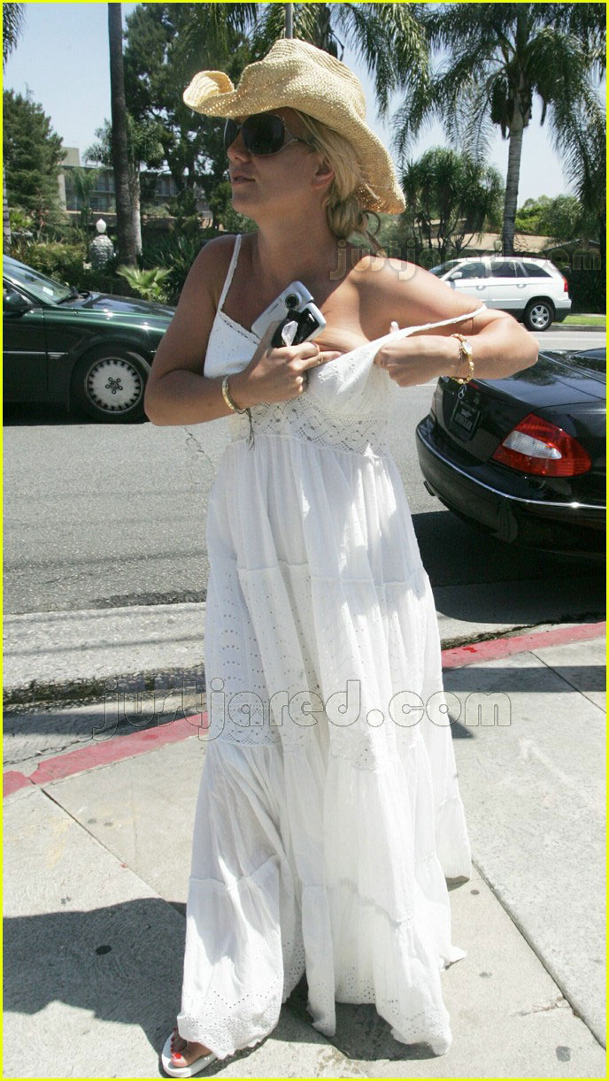 britney spears falling dress strap 03