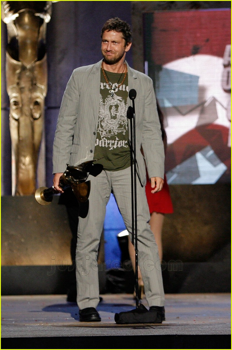 gerard butler world stunt awards 06