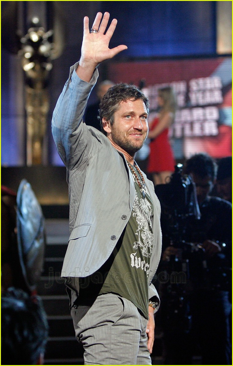 gerard butler world stunt awards 07