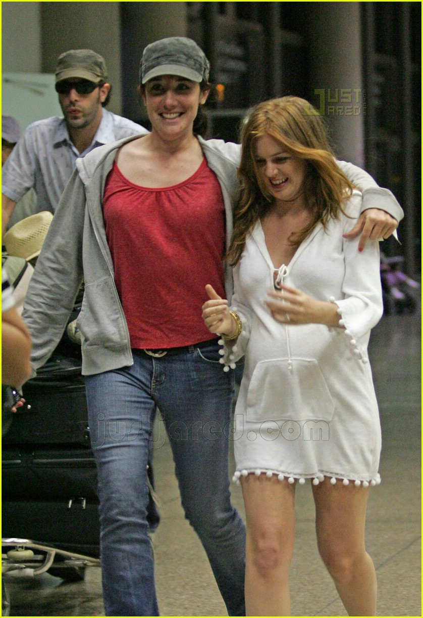 isla fisher pregnant 06