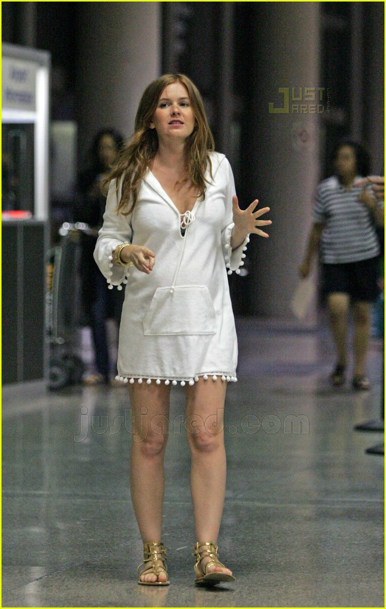 isla fisher pregnant 11