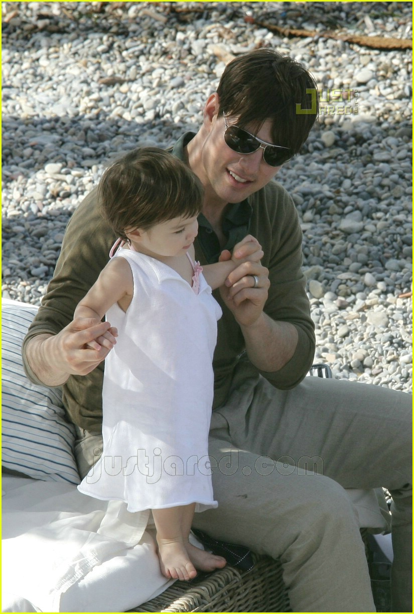 09 tom playing with suri