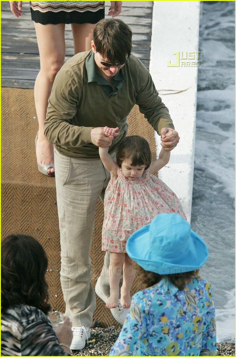 tom katie suri cruise 02