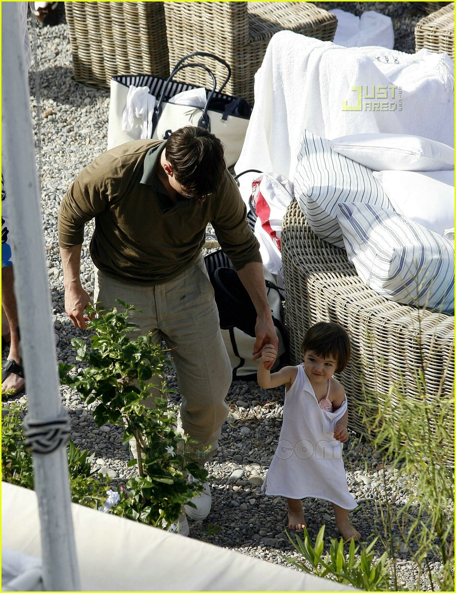 tom katie suri cruise 36