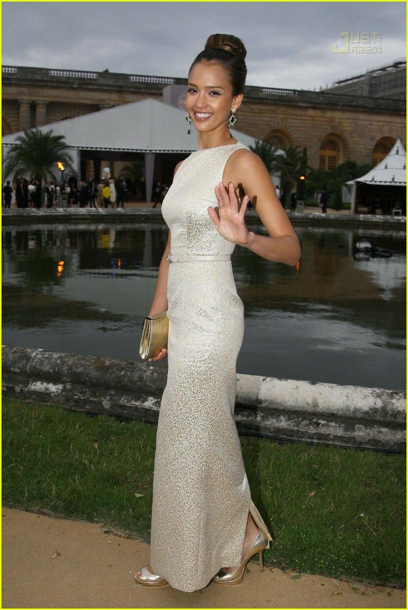 08 jessica alba christian dior haute couture