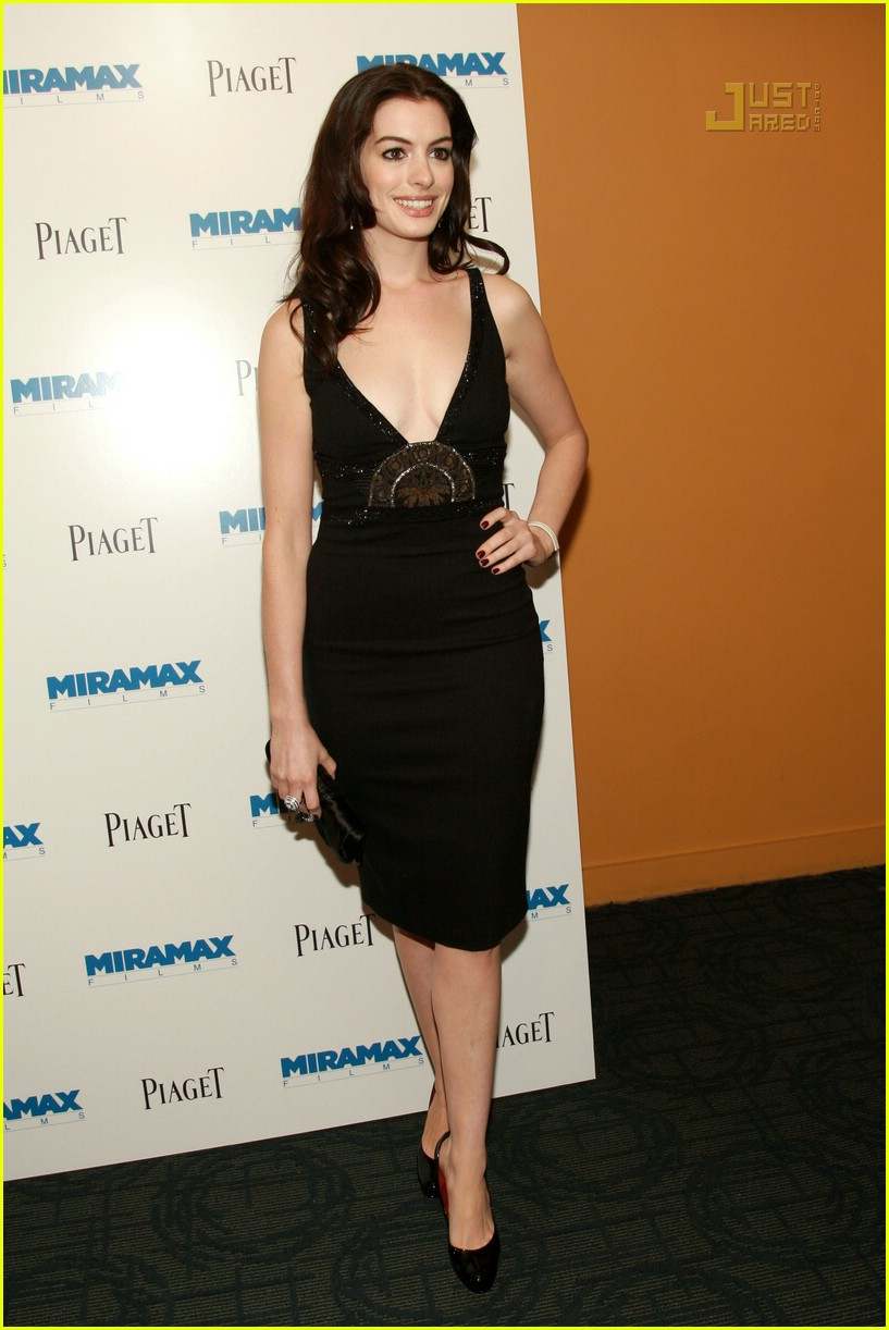 anne hathaway becoming jane premiere 20