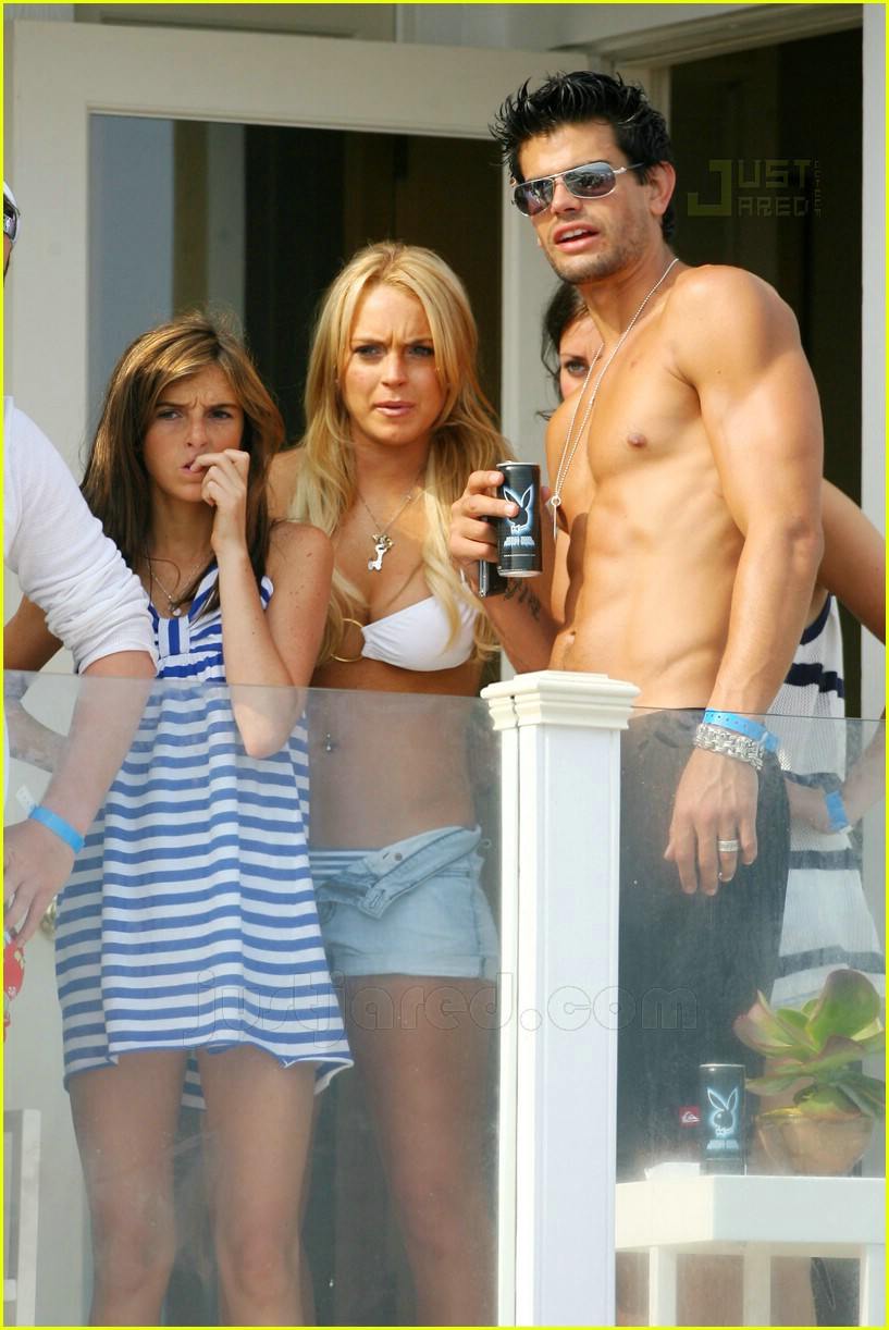 lindsay lohan fourth of july hunk 11