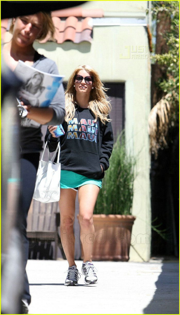 jessica simpson working out 04