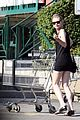 kirsten dunst grocery shopping 02
