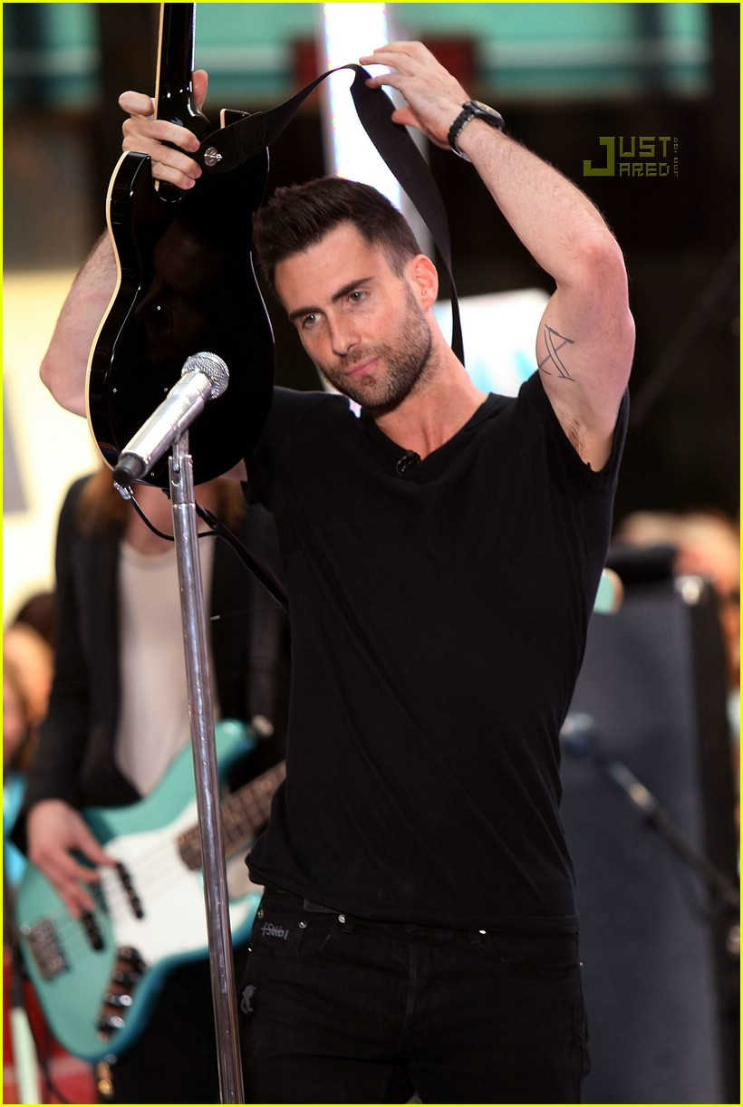 adam levine the today show 01535031