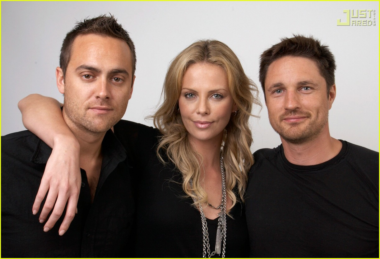 stuart townsend dating Charlize theron and sean penn's love affair is heading for marriage and a baby  theron parted ways with longtime partner stuart townsend in 2010, .