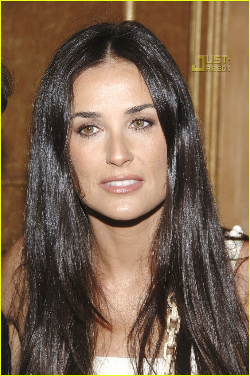 demi moore ny fashion week 18