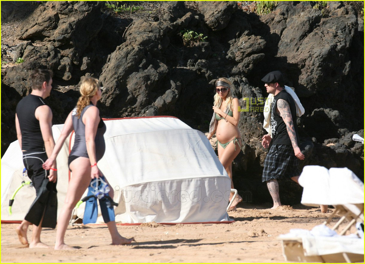 nicole richie pregnant bikini body 04