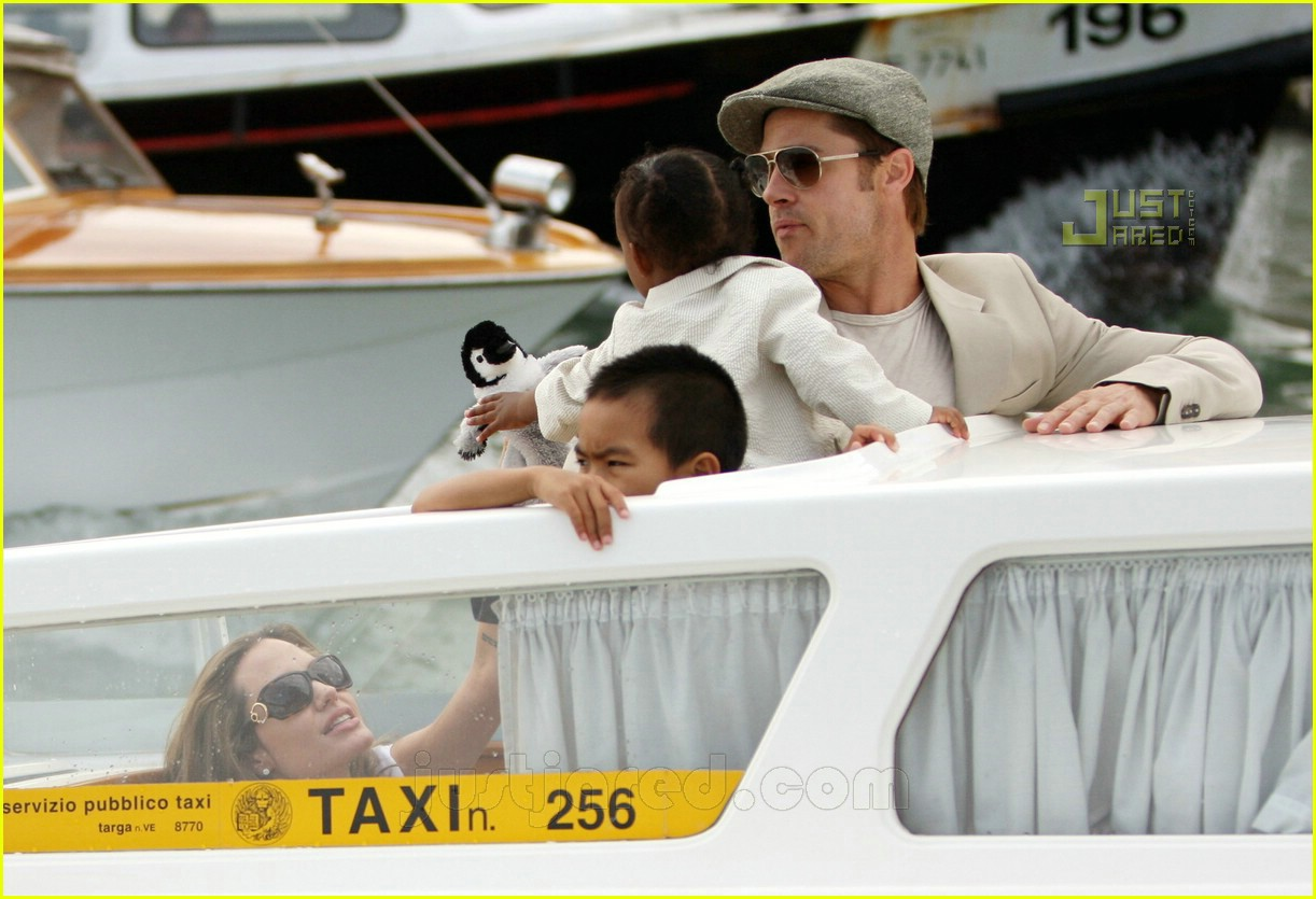 brad angelina water taxi ride 11