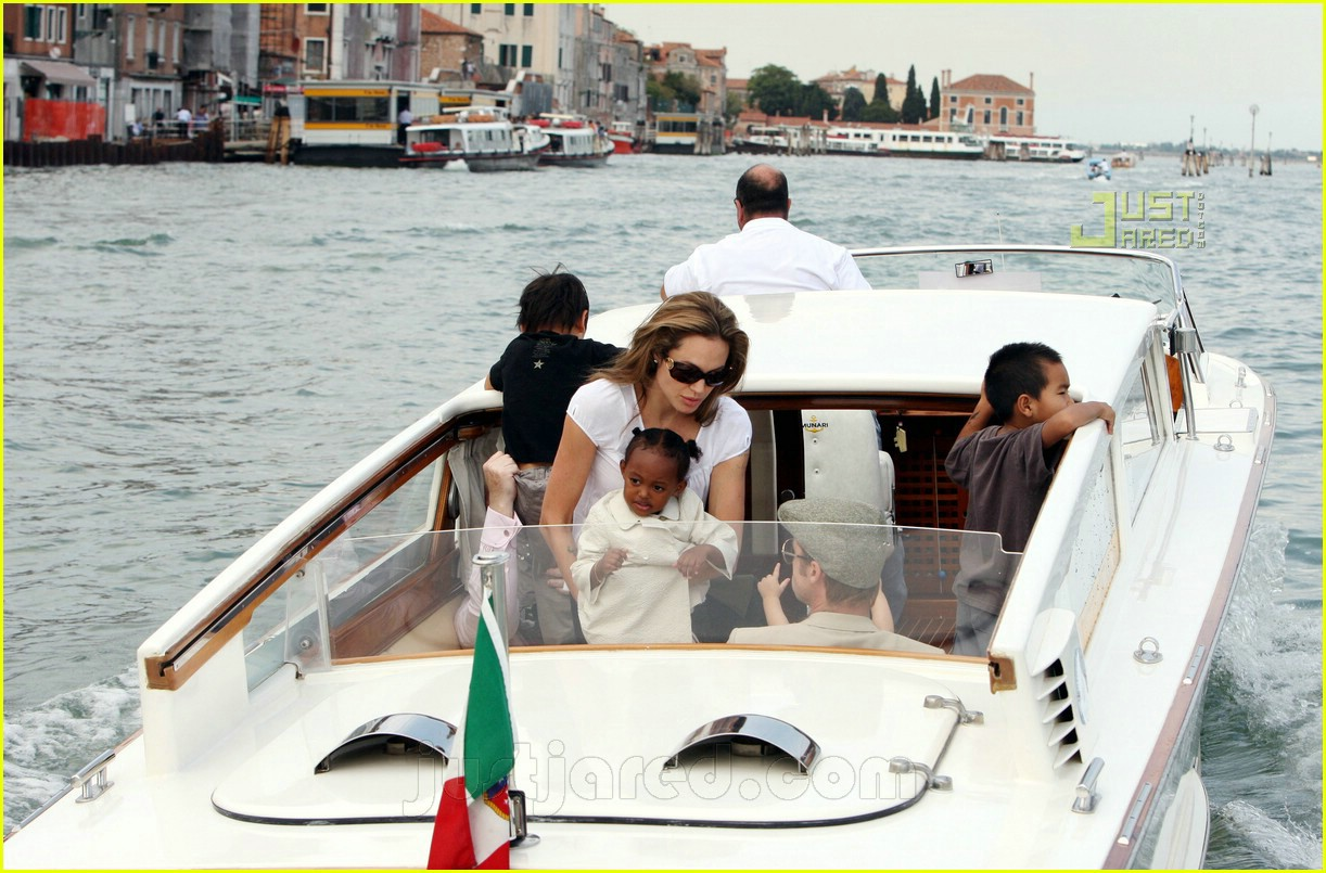 brad angelina water taxi ride 22