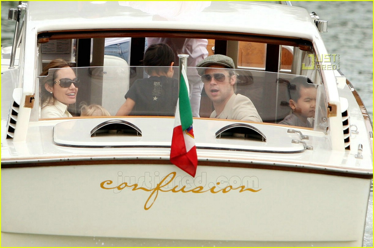 brad angelina water taxi ride 37