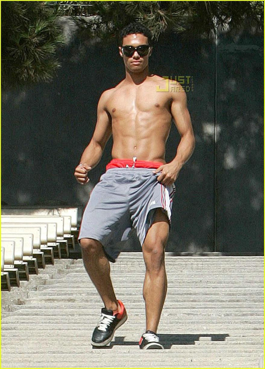 danny tidwell shirtless 17