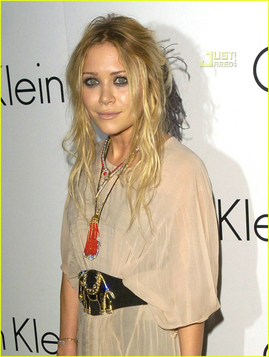 mary kate olsen calvin klein martin creed 06