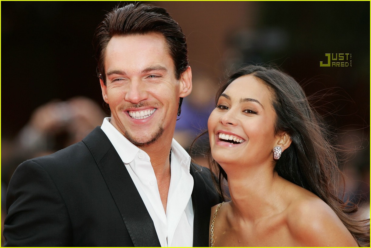 The gallery for --> Jonathan Rhys Meyers Smile