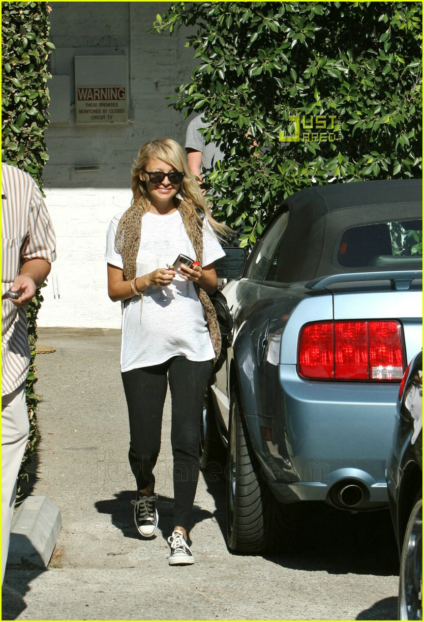 nicole richie smiley 06627411