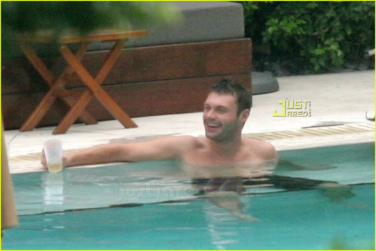 ryan seacrest simon cowell shirtless 03