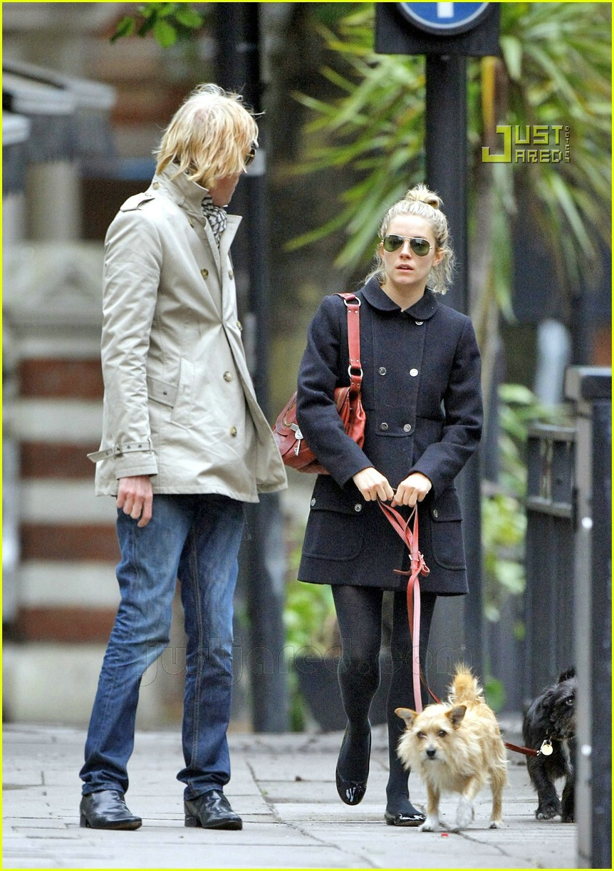 sienna miller rhys ifans dating 07