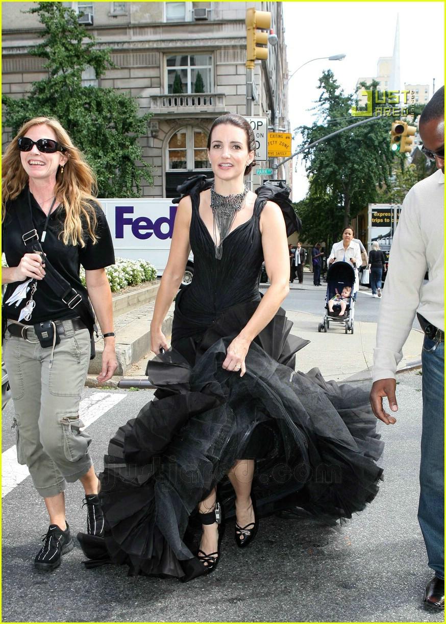 Full sized photo of sarah jessica parker wedding dress 03 for Sarah jessica parker wedding dress