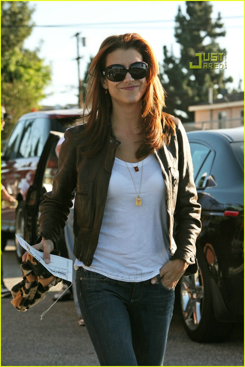 kate walsh football game 02