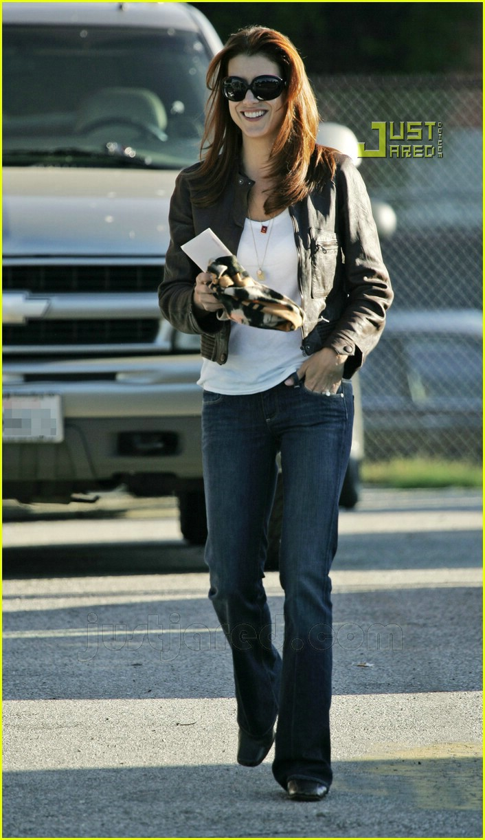 kate walsh football game 04