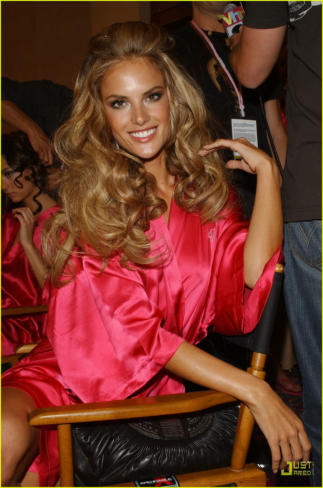 alessandra ambrosio victorias secret fashion show 2007 09