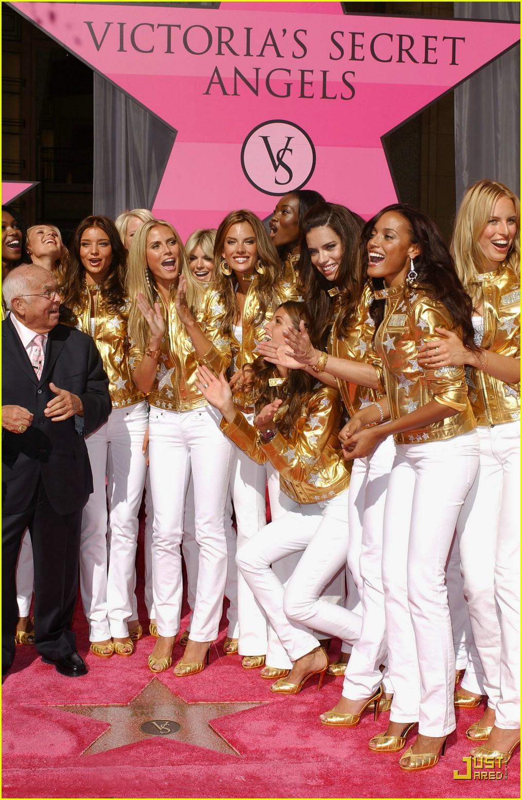 alessandra ambrosio victorias secret fashion show 2007 41