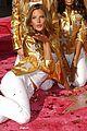 alessandra ambrosio victorias secret fashion show 2007 53