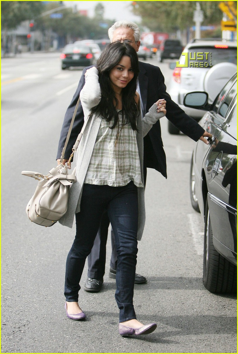 vanessa hudgens teddy bear 18721521