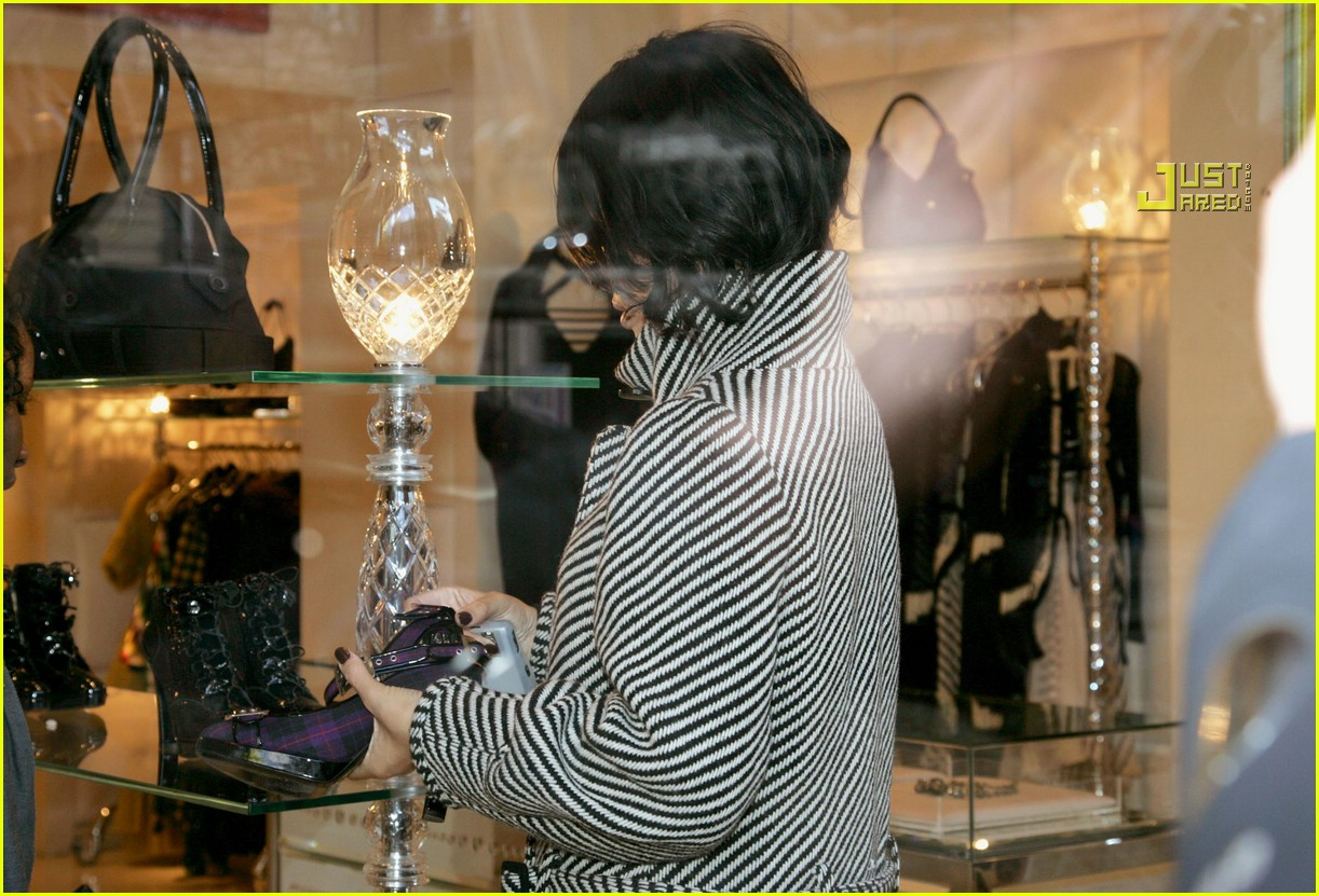 rihanna luxury shopping spree 04