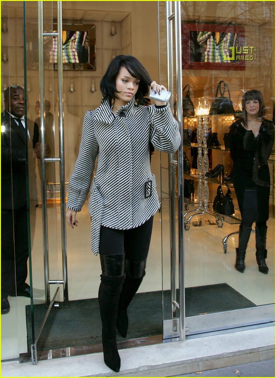 rihanna luxury shopping spree 06