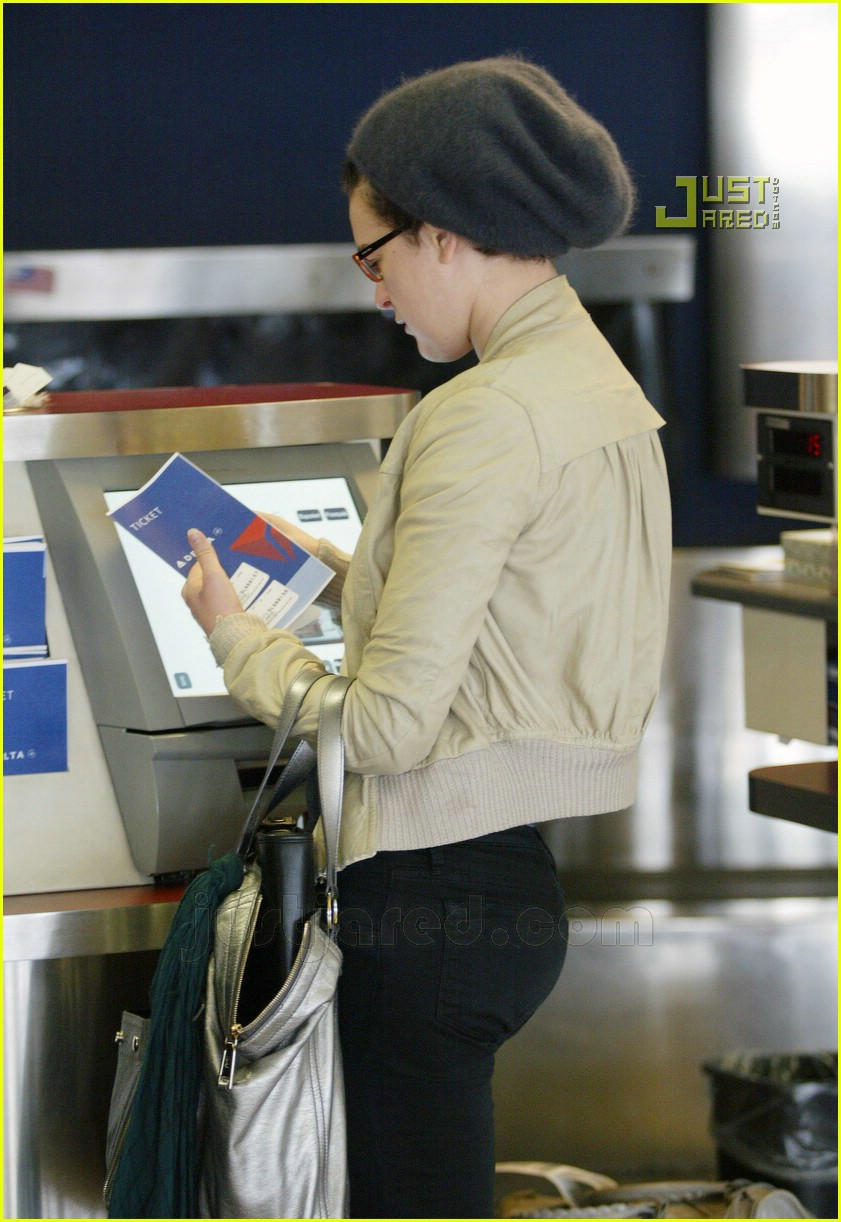 rumer willis lax airport 08716021
