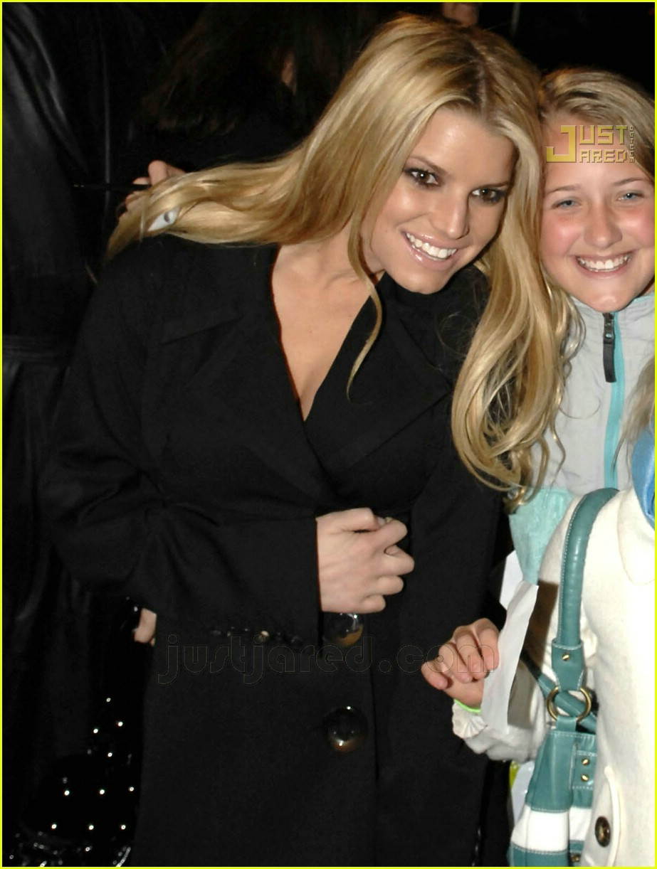 jessica simpson waverly inn 02707221
