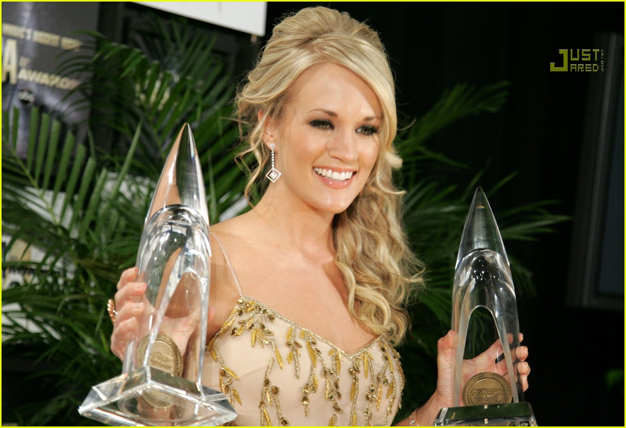 carrie underwood cmas performance 2007 06