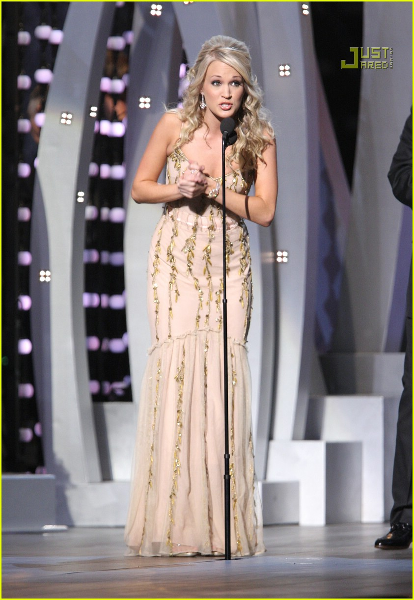 carrie underwood cmas performance 2007 07717231