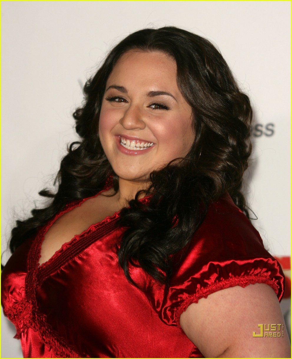 nikki blonsky and zac efron kiss
