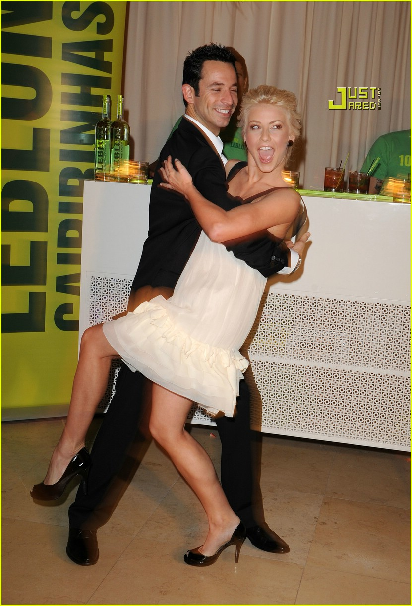 helio castroneves julianne hough party 36