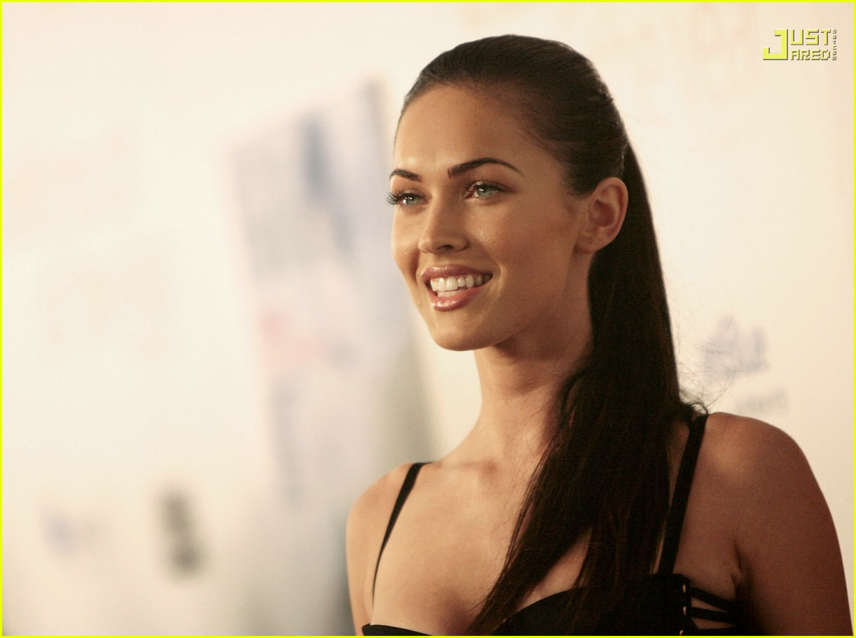 megan fox breakthrough awards 18