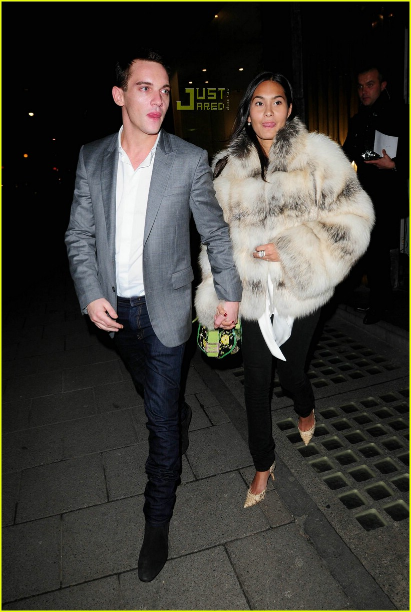Jonathan Rhys Meyers And Girlfriend 2013 Jonathan Rhys Meyers