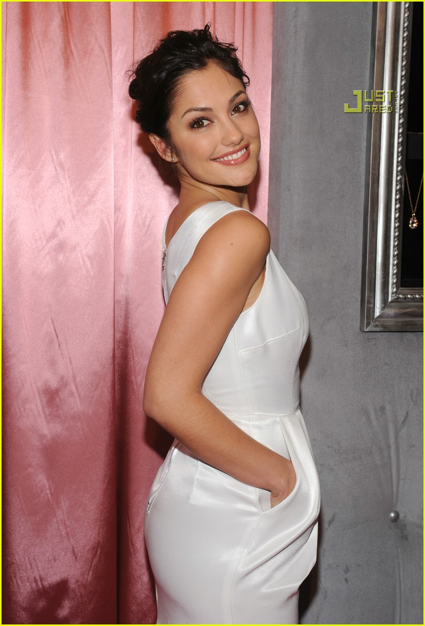 minka kelly diamonds 09