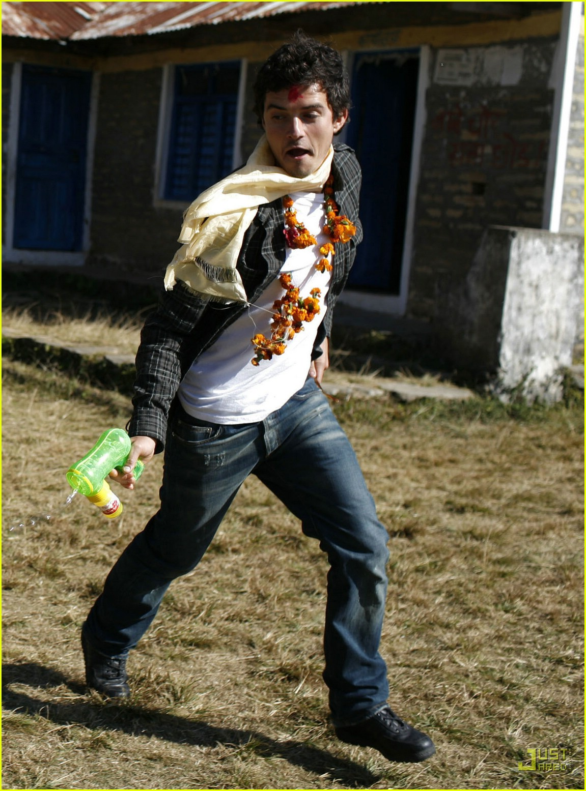 orlando bloom nepal 02