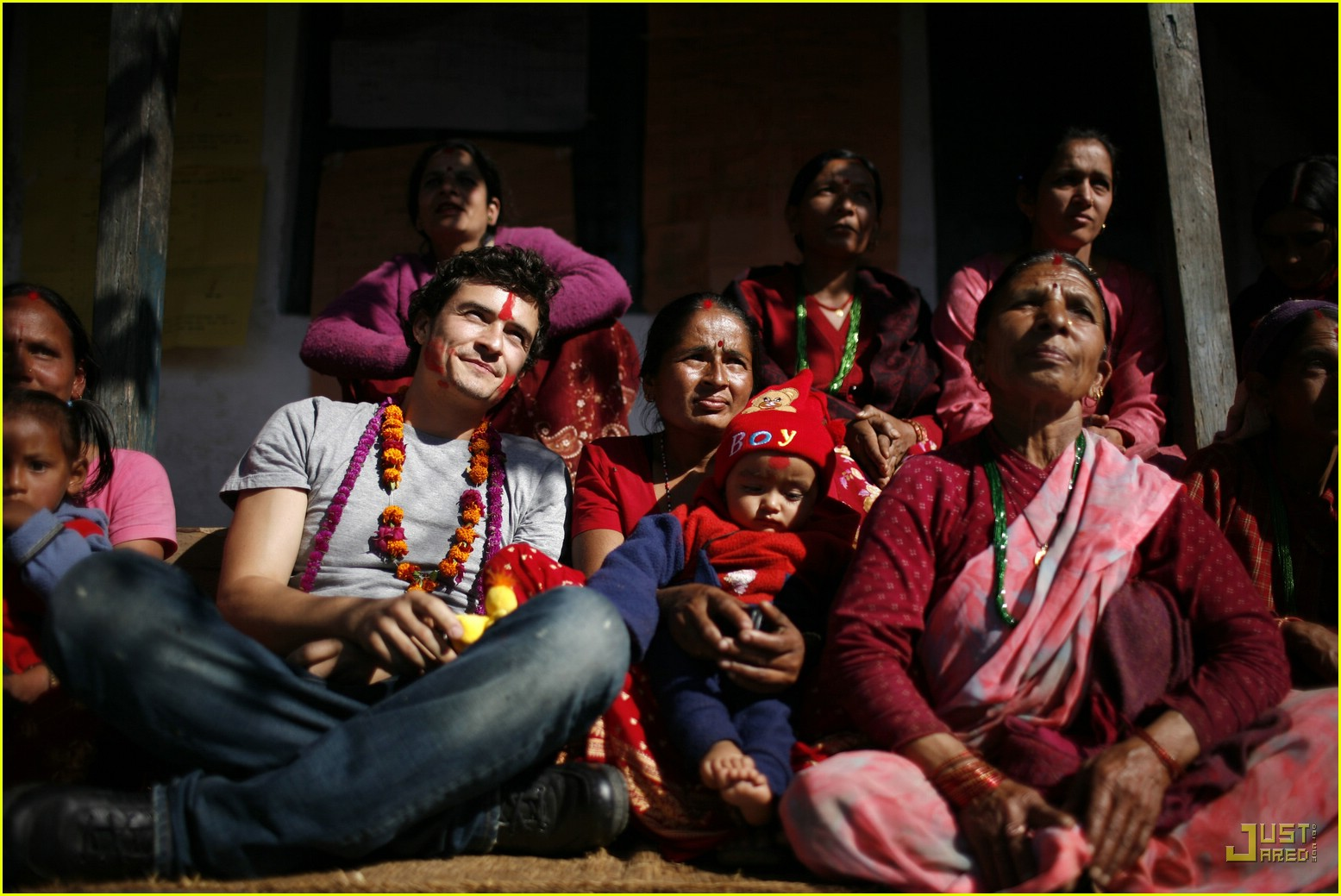 orlando bloom nepal 14846791