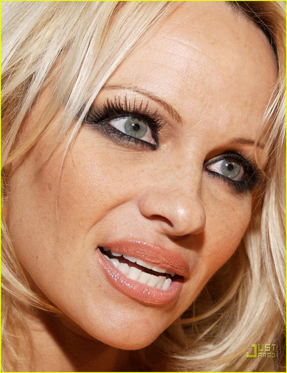 pamela anderson friday night fun 15