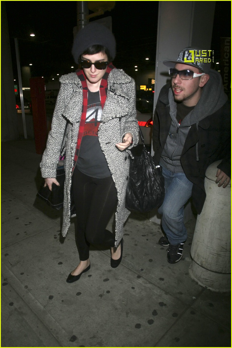 rumer willis airport 09